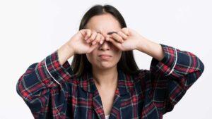 3 problemas oculares que causam ardência nos olhos