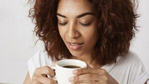 A-cafeína-ajuda-quem-tem-olhos-secos
